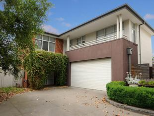 EXECUTIVE AND RARE 5 BEDROOM FAMILY HOME WITH AN ARRAY OF LIVING OPTIONS! - Mulgrave