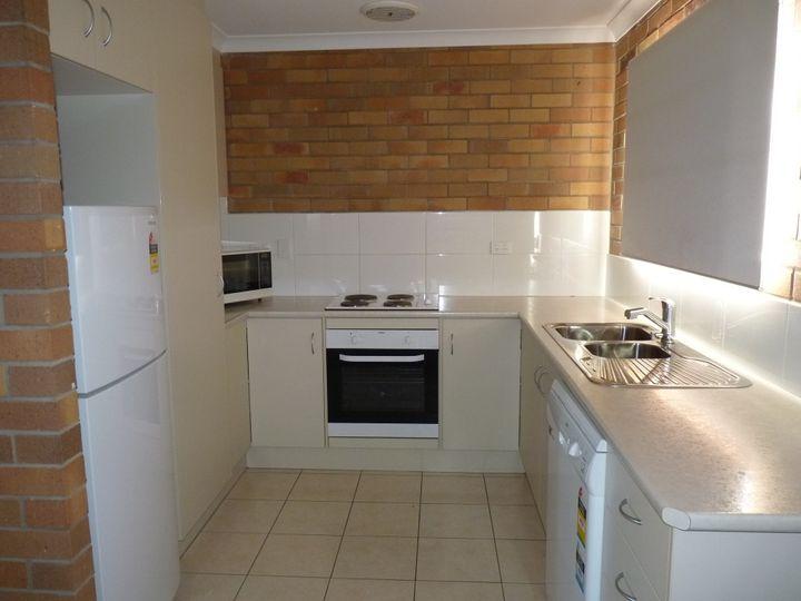Unit 2, 2 Taylor Street, St George, QLD