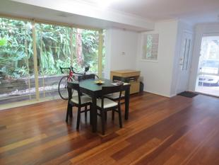 RENOVATED DUPLEX - Beecroft