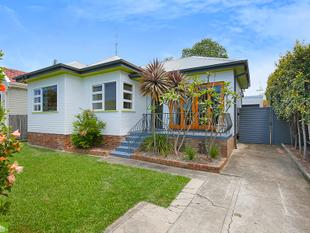 Immaculate Three Bedroom House - Fairy Meadow