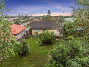 Elevated Post War with City Views On 607m2 - Stafford Heights