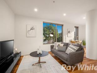 NEAR NEW APARTMENT IN THE HEART OF BOX HILL! - Box Hill