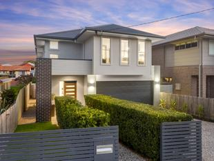 Modern Contemporary Home With Parkside Location! - Wavell Heights