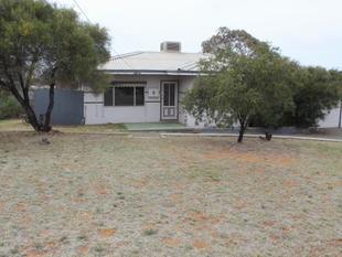 3 Bedroom home with Views! - Kambalda East
