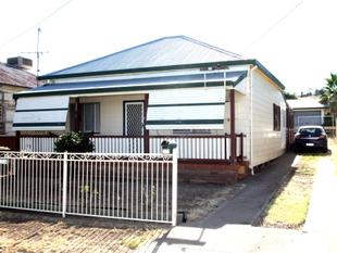 RENOVATED HOME PLUS SHED - Werris Creek