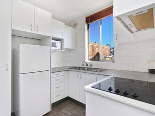 Light filled 1 bedroom apartment - Open for Inspection 10am -10.15am Saturday 25 November - Glebe
