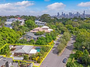 Family Home With Northerly Aspect - Balmoral