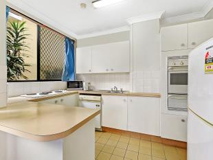Positioned in the heart of Surfers Paradise! - Surfers Paradise
