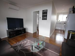 GREAT LOCATION ! - Bentleigh East