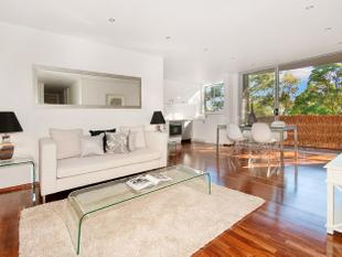SLEEK, CONTEMPORARY & SPACIOUS - Greenwich