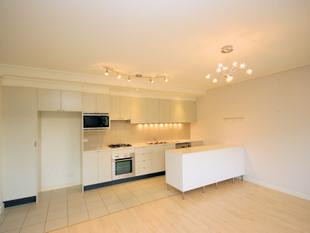 Stylish Apartment with Timber Floors and Abundance of Storage! - Wentworth Point