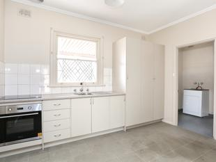 RENOVATED 3 BEDROOM FAMILY HOME!! - Elizabeth North