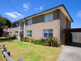 BAYSIDES MOST CONVENIENT LIVING! - Mordialloc