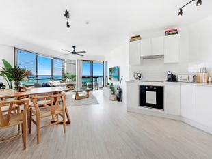 Open Plan to Absolute Perfection. - Surfers Paradise