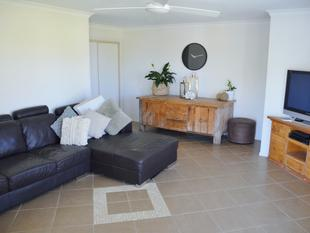 Fully Furnished With Lawns & Garden Maintenance Included - Yamba
