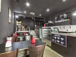 Street fronted retail/showroom with car space - Surry Hills