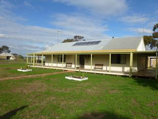 5 Acres - 3 Bedrooms plus Bungalow - Torrumbarry