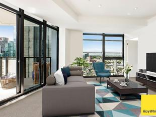First Class Living with Spectacular Views - Southbank