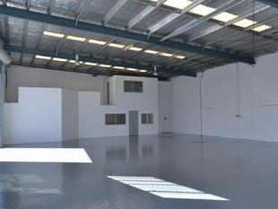 Prime Location 325m* Warehouse For Immediate Lease! - Biggera Waters