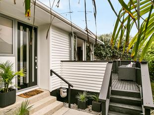 Classic Kiwi Weatherboard With a Twist - St Heliers