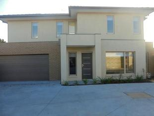 Brand New double Double Storey Townhouse - Carrum Downs