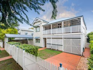 Five Bedroom Family Home in Clayfield! - Clayfield