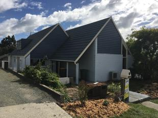 Contemporary Charm in Rosebank - Balclutha