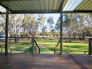 Sweeping views of the iconic Murray River - Tocumwal