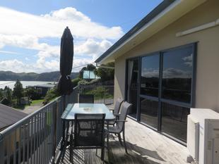 Low Maintenance Townhouse - Price Reduced - Raglan