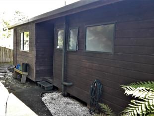 Cozy Three Bedroom Features Sound of Silence - Mount Wellington