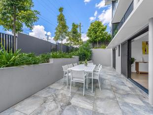 GROUND FLOOR STUNNER...YOU WILL NOT FIND BETTER BUYING - Morningside
