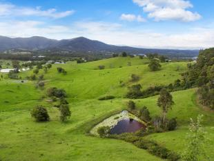 130 Acres  3 Street Frontage, Stunning Sunsets & Panorama - Mount Samson
