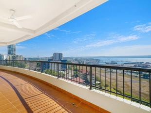 PRIME LOCATION & CONVENIENCE COMPLIMENTED WITH SPECTACULAR VIEWS - Darwin City