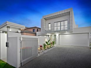WELLINGTON POINT PRICE REDUCTION $1,170,000.00 - SELLERS EXCITED ABOUT THEIR NEW VENTURE! - Wellington Point