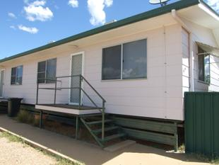 Spacious Two Bedroom Unit! - Longreach