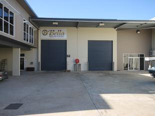 350m warehouse and office located in industrial duplex - Capalaba