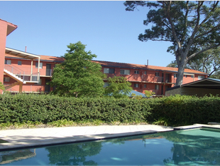 SECURE APARTMENT COMPLEX *ONE WEEK FREE RENT* - Parmelia