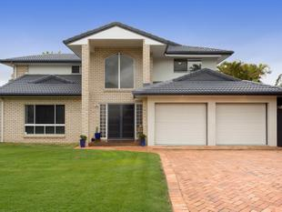 PRESTIGIOUS STYLISH FAMILY RESIDENCE  SOUGHT AFTER LOCATION  ACT FAST! - Wishart