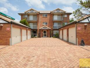 Huge ground floor apartment with private courtyard! - Coorparoo