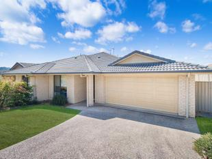 Large Modern Duplex - Low Maintenance - Murwillumbah