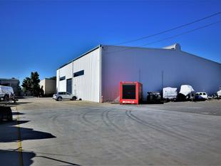 For Lease: NEED HEIGHT? 1,193sqm* INDUSTRIAL FACILITY - Morningside