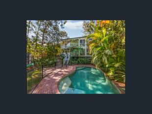 Position Perfect! Sizeable family home with pool in Ironside catchment - St Lucia