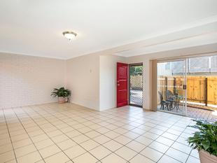 Tremendous location, Spacious and well presented.  JUST LISTED, HURRY TO INSPECT - Greenslopes