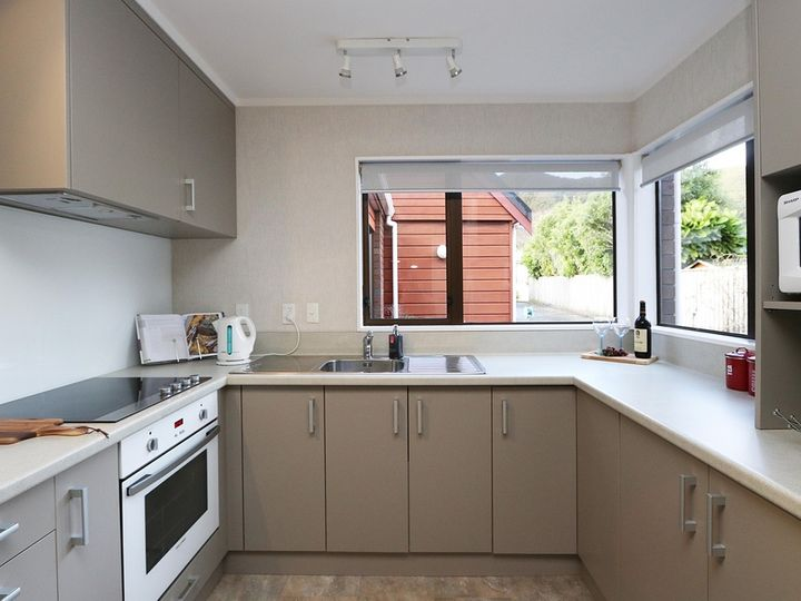 2/293 Riverside Drive, Waterloo, Lower Hutt City