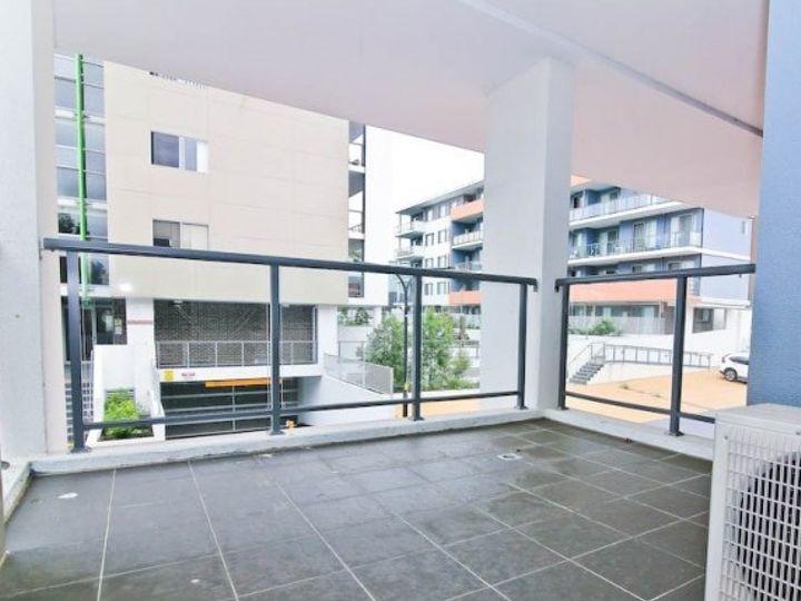6E/8 Myrtle Street, Prospect, NSW