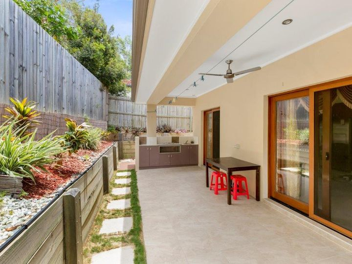 10 Jason Street, Sinnamon Park, QLD