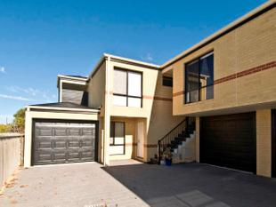 MODERN TOWNHOUSE - AFFORDABLE RENT - Midland