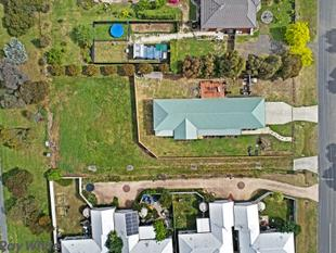 One of the remaining few vacant blocks of land in Lancefield. - Lancefield