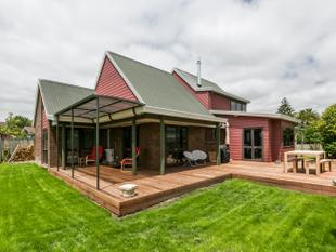 Fantastic View - Beautifully Renovated - Havelock North