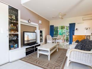 REFURBISHED RESIDENTIAL TOWNHOUSE - LIVE IN OR INVEST - Port Douglas
